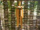 32 Zvonkohra-bambus, slámová stříška